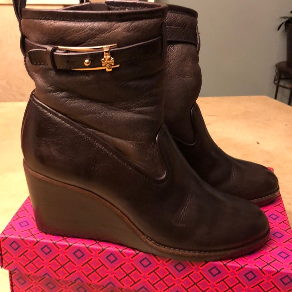 9957a0ce2b9b Compare   🔥🔥TORY BURCH Primrose wedge 8.5. M 5c35689af63eea53fb5f10dc.  Other Shoes you ...